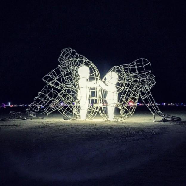 ukrainian-sculpture-burning-man-love-ale